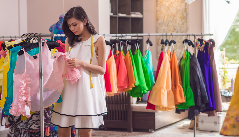 Woman-working-at-boutique