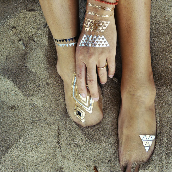 We Re Obsessed With These Metallic Temporary Tattoos