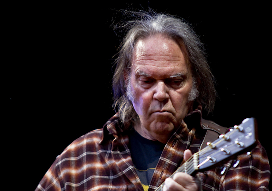 Neil-Young-Academy-of-Music-Philadelphia-2014