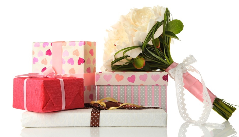 Ask The Expert For Gifts That Arrive Before The Wedding When