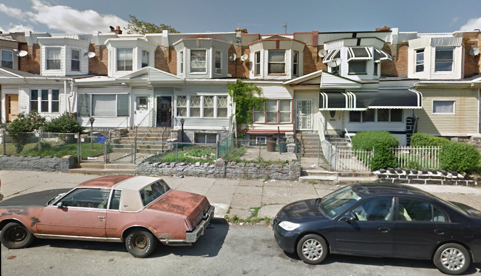 Photo prior to collapse courtesy Google Streetview.