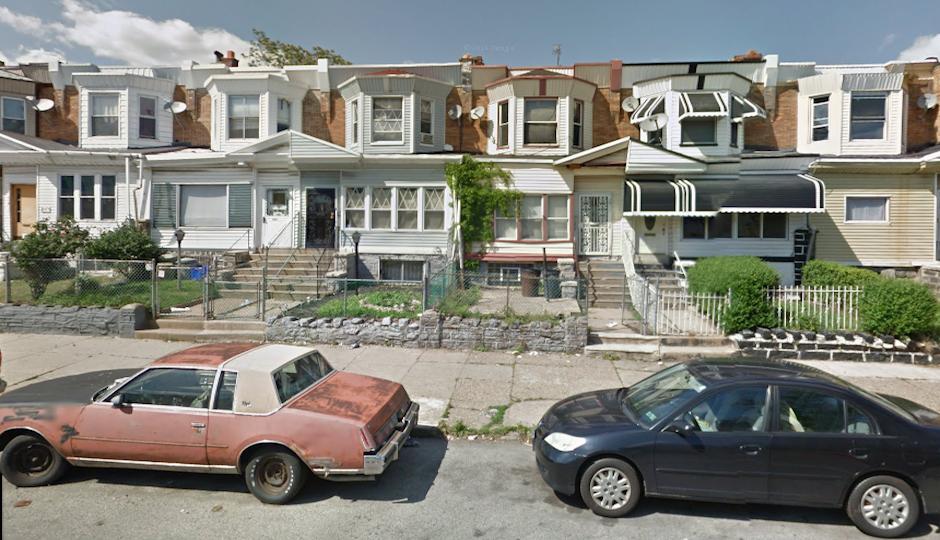 Photo prior to collapse courtesy Google Streetview.