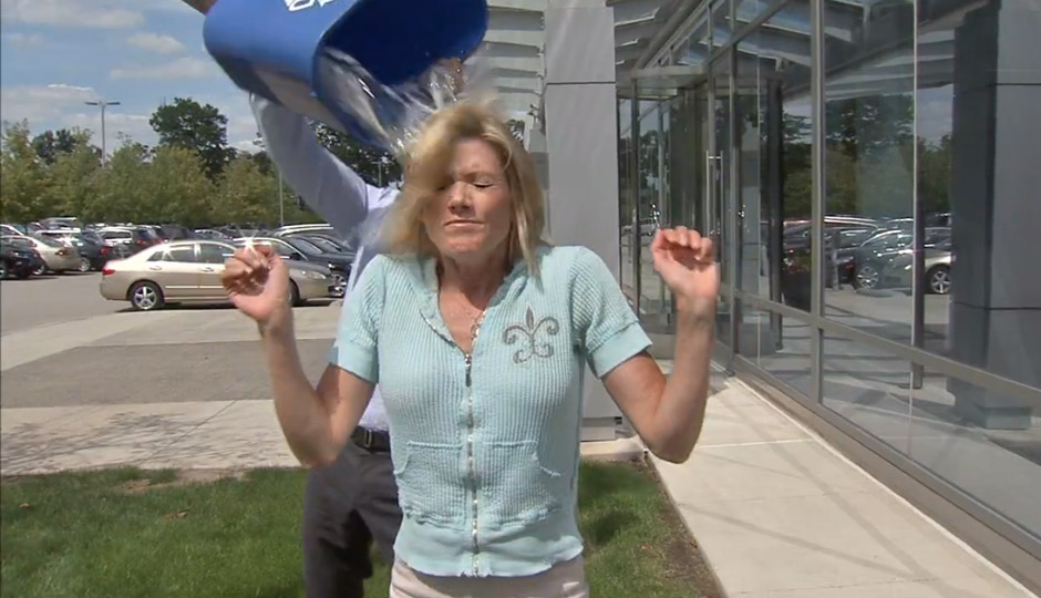 Watch cecily tynan commissioner ramsey take the ice bucket challenge