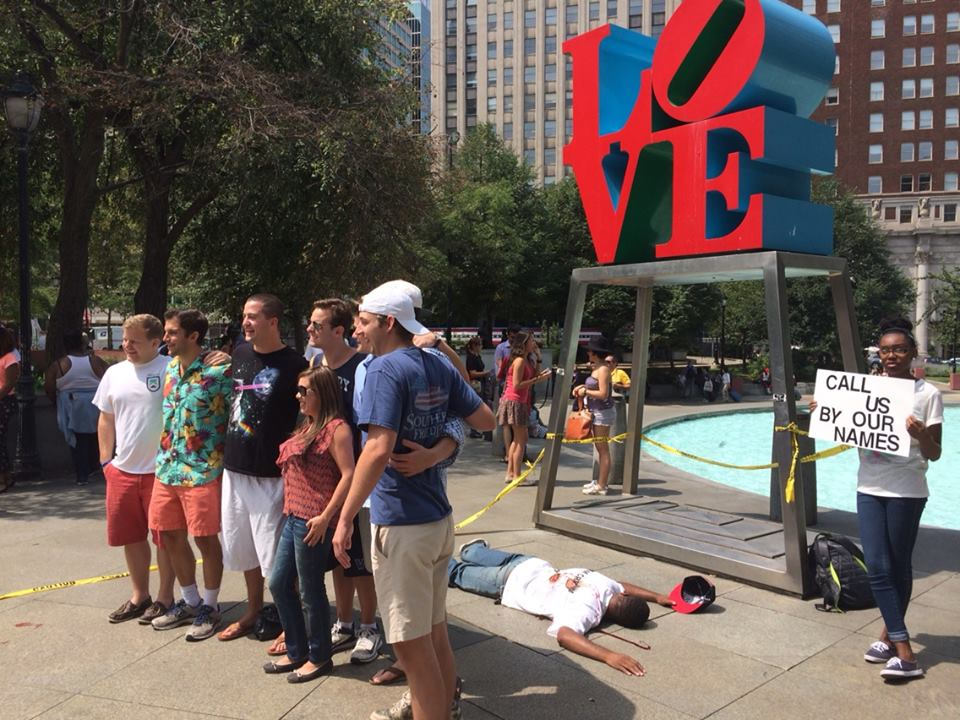 ferguson-protest-love-park-tourists