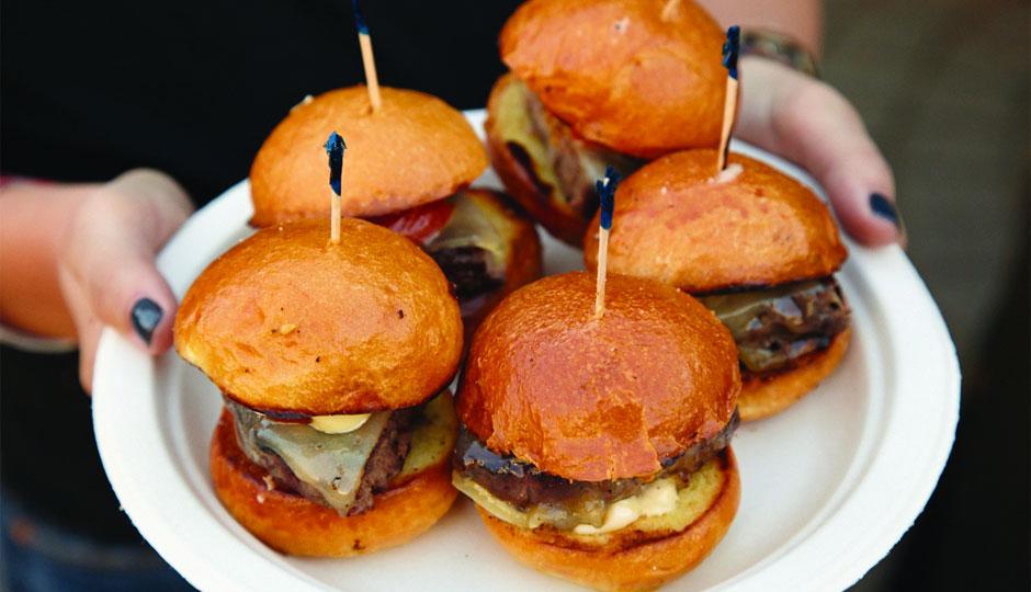 battle-of-the-burger-burgers-940