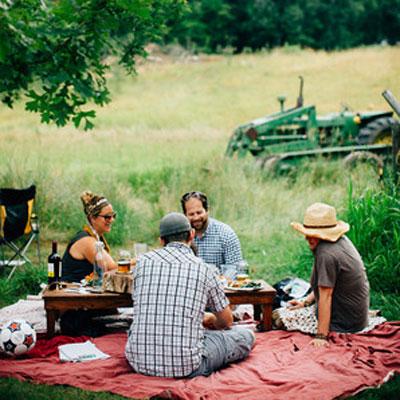 farm-dinner-400