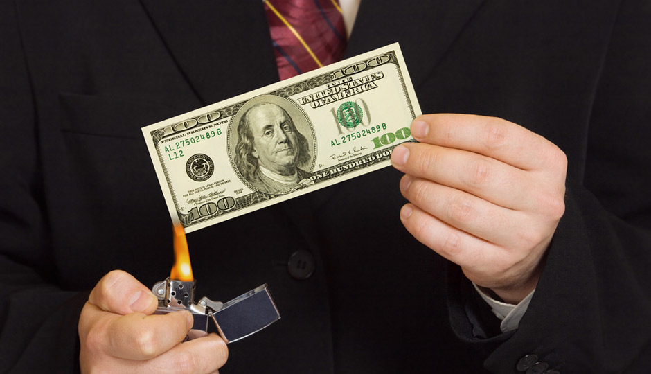 shutterstock_burn-money-940x540