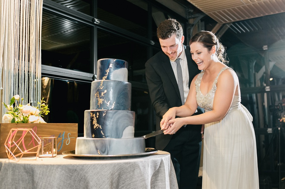 9 Tips For Freezing And Defrosting Your Wedding Cake First Anniversary