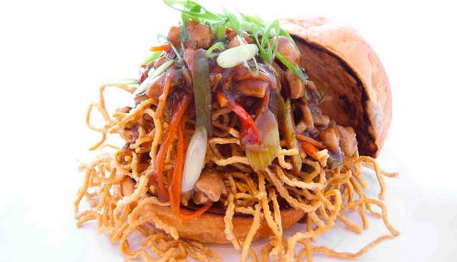 hot-diggity-chow-mein-sandwich-940
