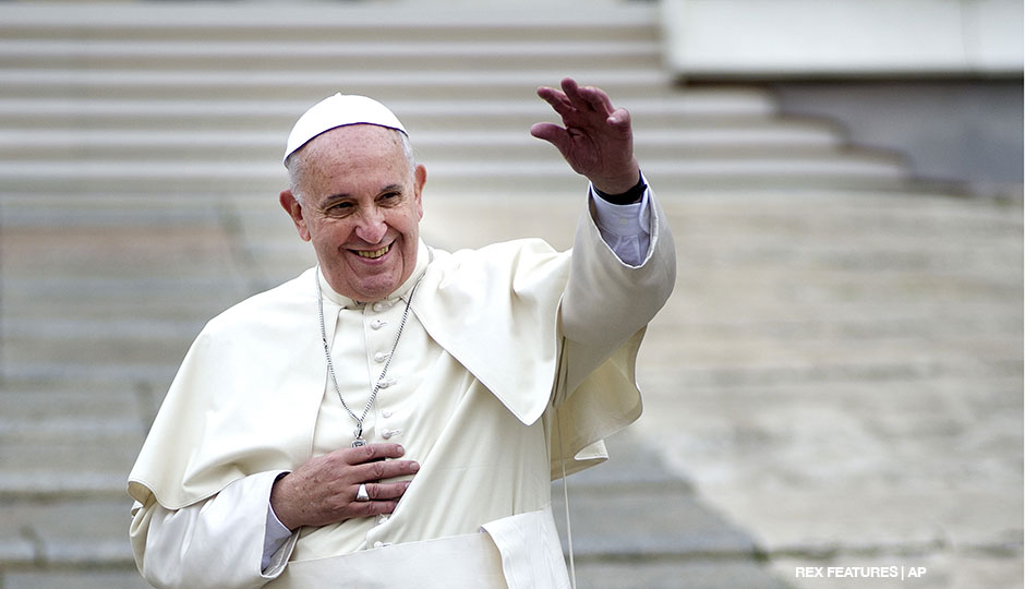 AP274099708769-pope-francis-rex-features-940x540