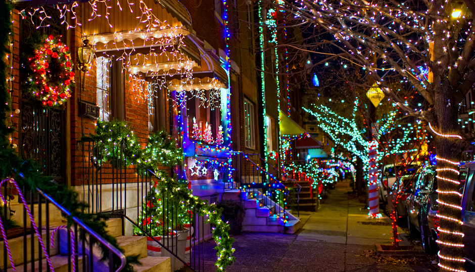 Holiday lights in South Philadelphia | Photo by J. Fusco for Visit Philadelphia