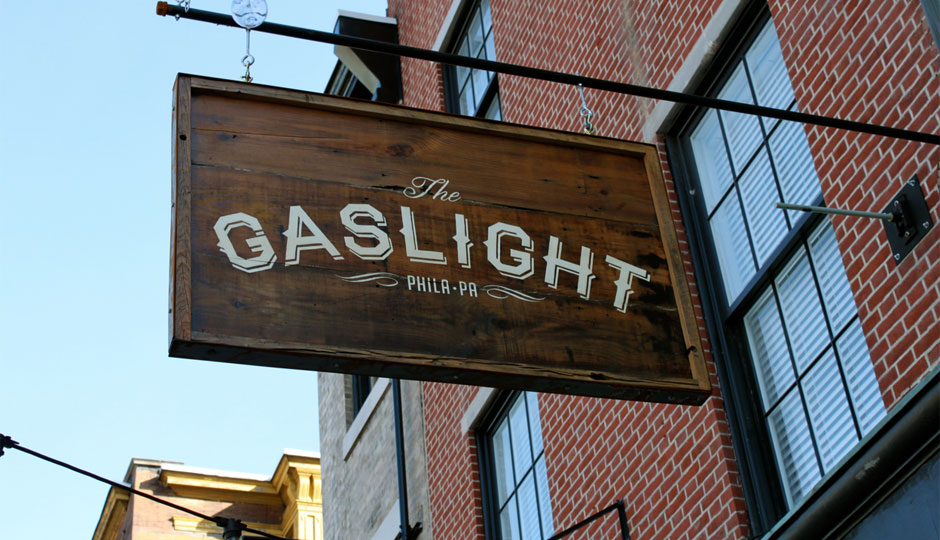 the-gaslight-sign-940