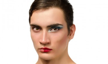 Men-wearing-makeup
