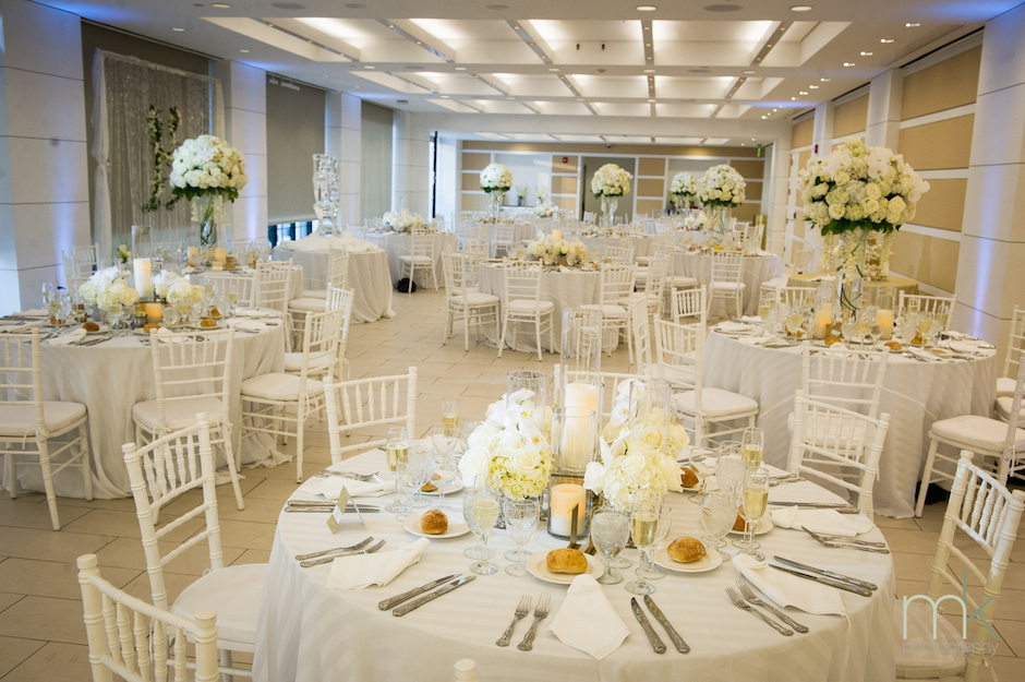 A reception dinner in the Skyline Room. Photo by MK Photo.