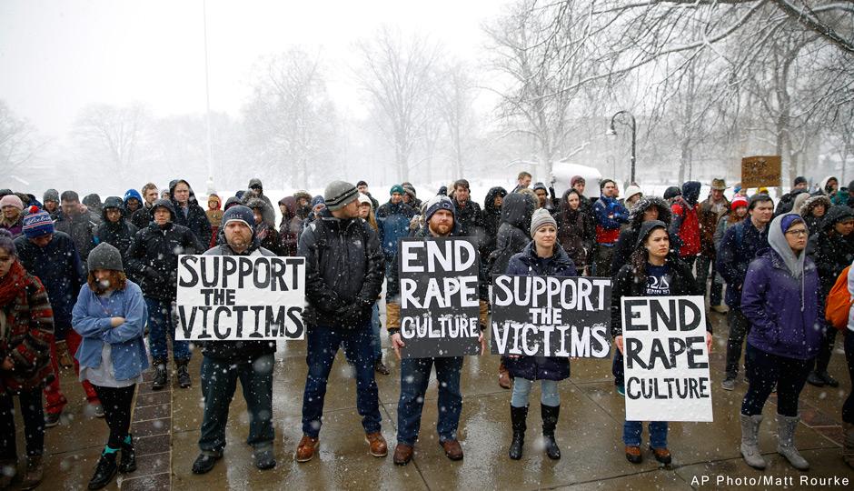 AP-penn-st-frat-protest-marq