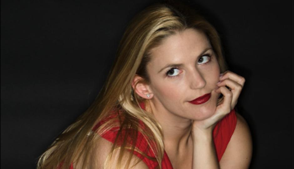 Lauren Rooney Header