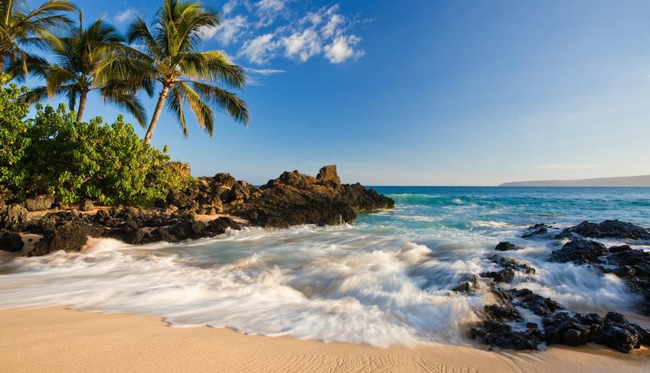 Men chose Hawaii as the perfect U.S. honeymoon spot. Shutterstock.