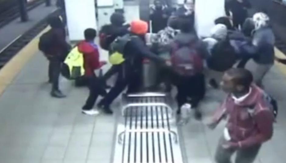 assault-broad-street-subway-platform
