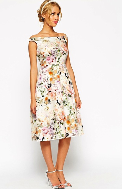 We love this chic floral midi dress.