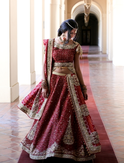 Indian brides are known for their gorgeous red saris. Shutterstock.