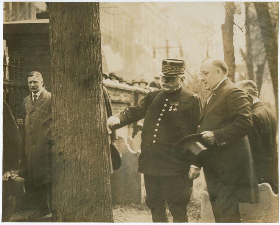 Marhsal Joseph Joffre and Philadelphia mayor Thomas B. Smith, visiting Benjamin Franklin's grave on May 9, 1917.  Photo via Library Company of Philadelphia