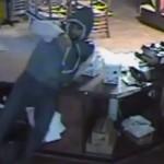 video-ishkabibbles-south-street-robbed
