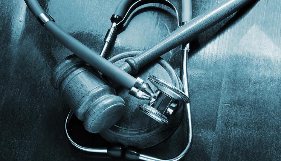shutterstock_malpractice-suit-940x540