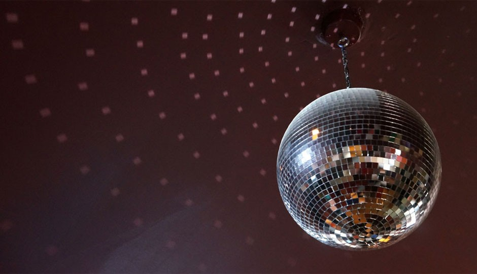triangle-tavern-disco-ball-940