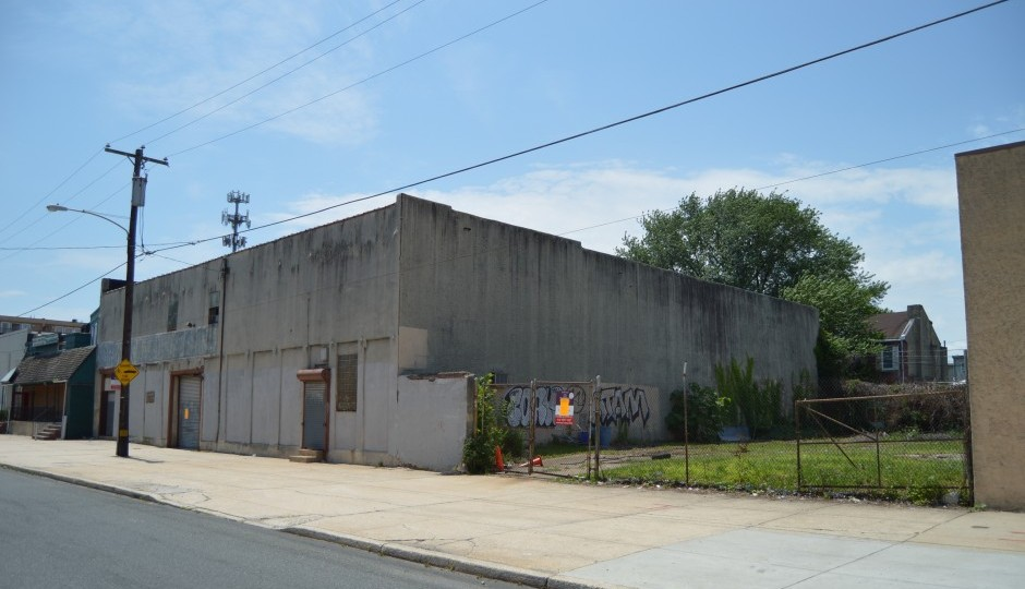 Plans call for the building at 1422-28 South Front Street to be demolished.   Photo: James Jennings