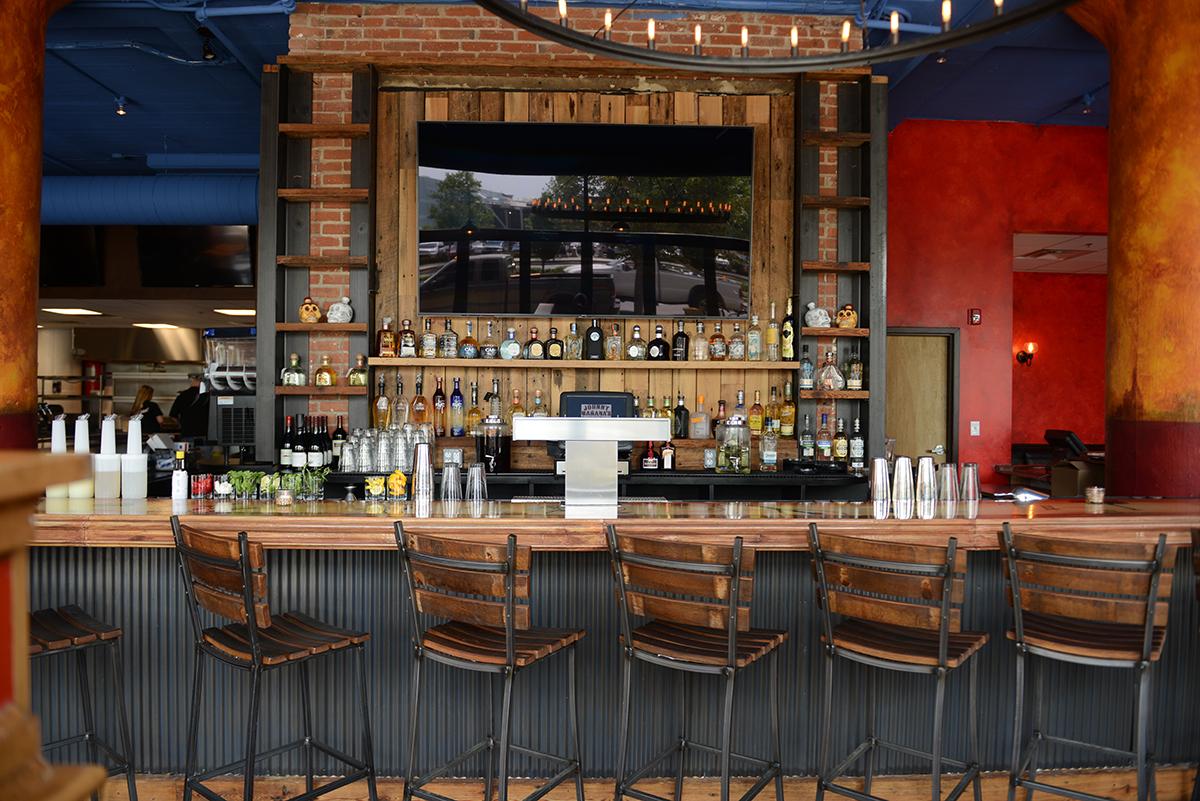Johnny Manana Bar