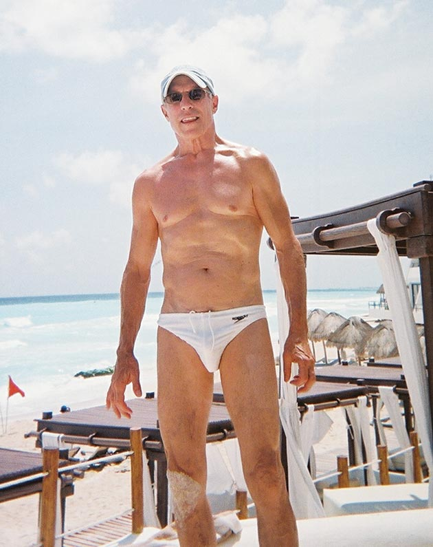 Jerry Blavat on a Mexican vacation, September 6, 2012. (Not technically a selfie, but c'mon, we couldn't resist.)