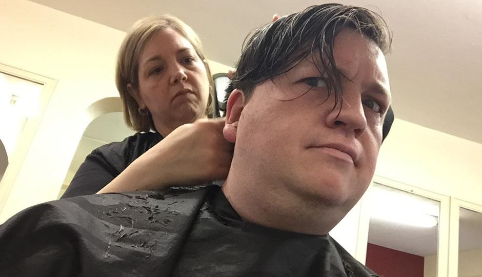 Jose Pistola's Joe Gunn getting his hair cut.