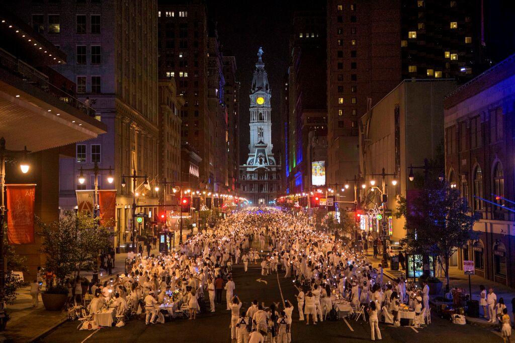 Dîner en Blanc 2014 on Broad Street.