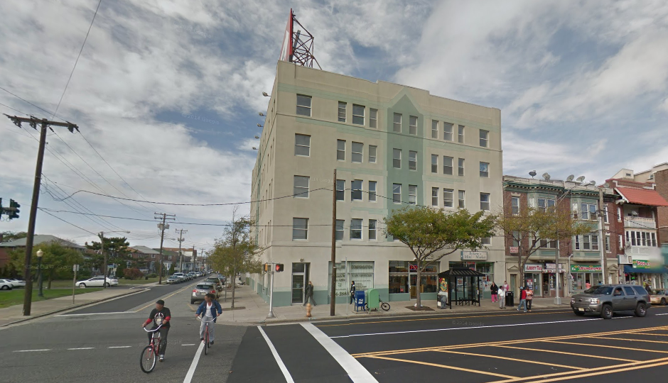 The apartment building at 1 North Boston Avenue | Via Google Street View