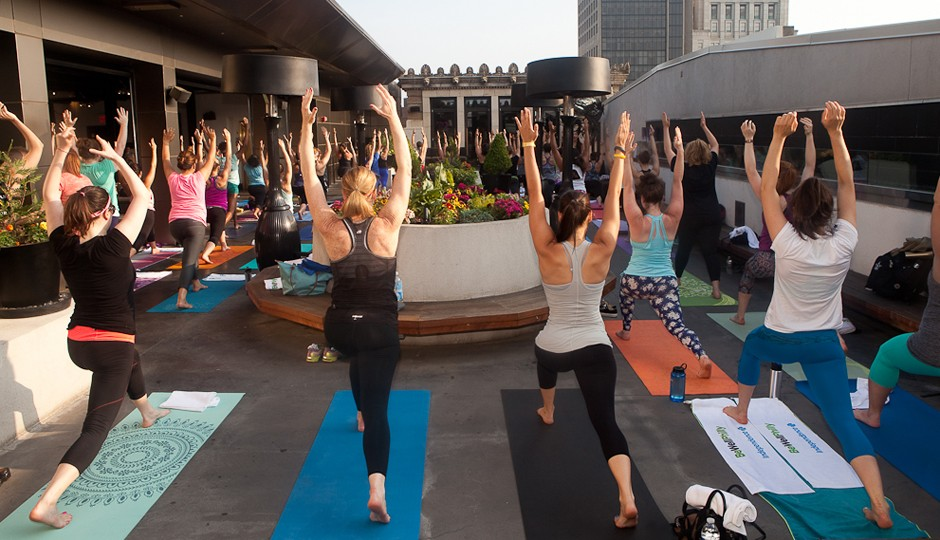 Be Well Philly Underground yoga class with DIG Yoga | Photo by Susan Nam
