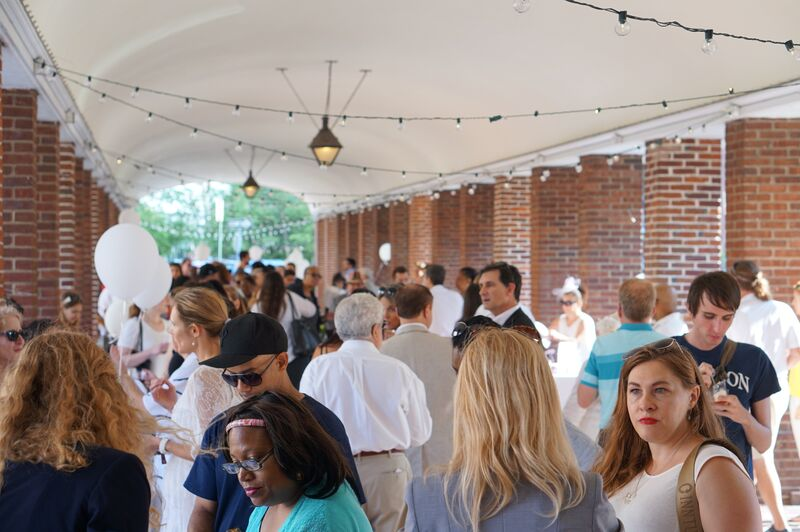 The Diner en Blanc Preview Party in the Headhouse Shambles.