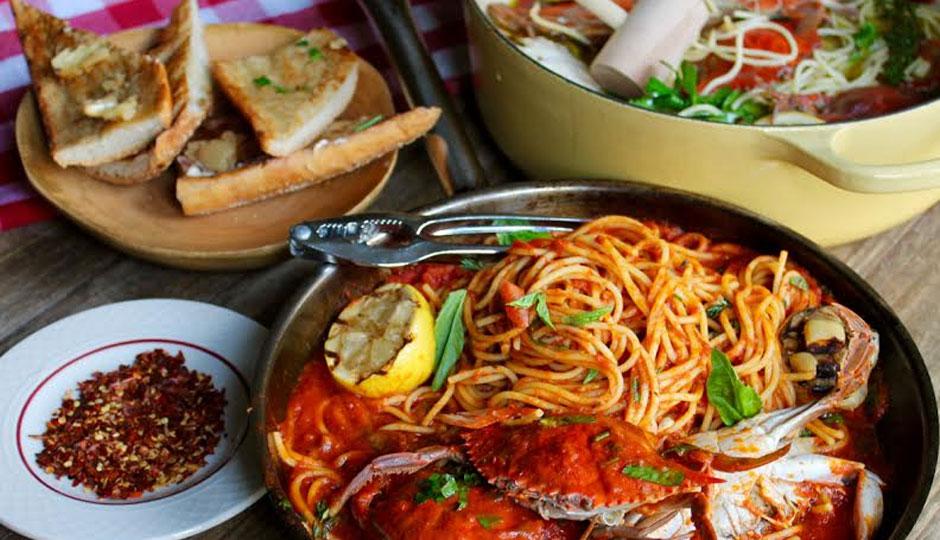 Crab and spaghetti at Little Nonna's