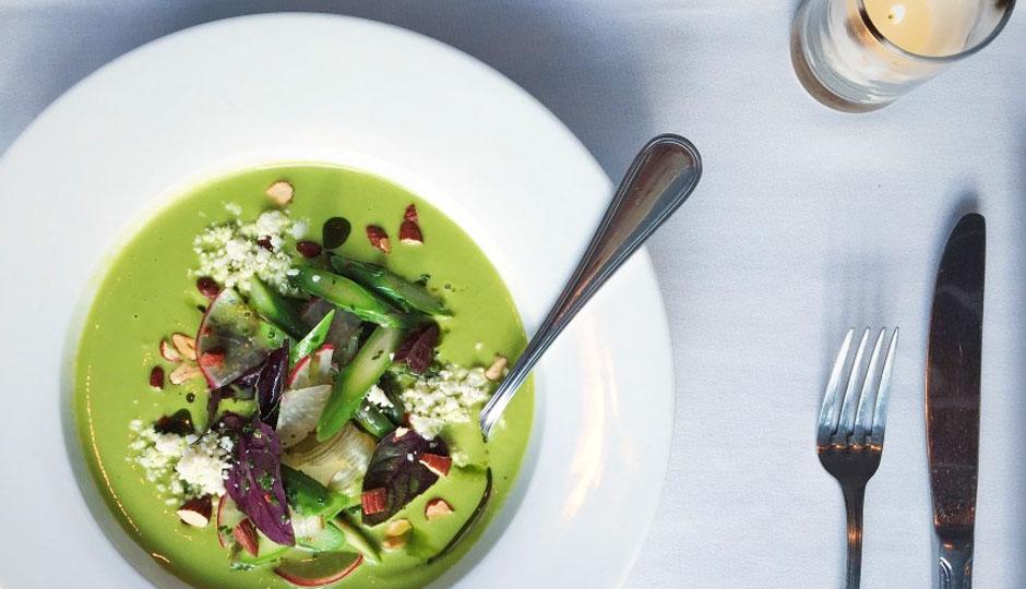 pub-kitchen-asparagus-soup-940