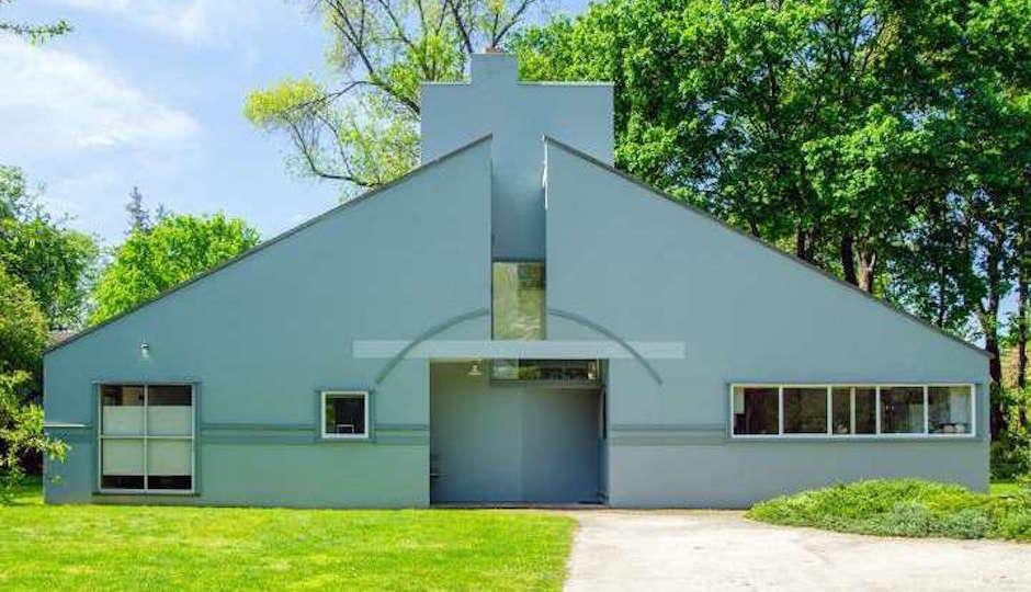 The Vanna Venturi House   Photos: Steve Davis and Steven Goldblatt, via Kurfiss Sotheby's International Realty