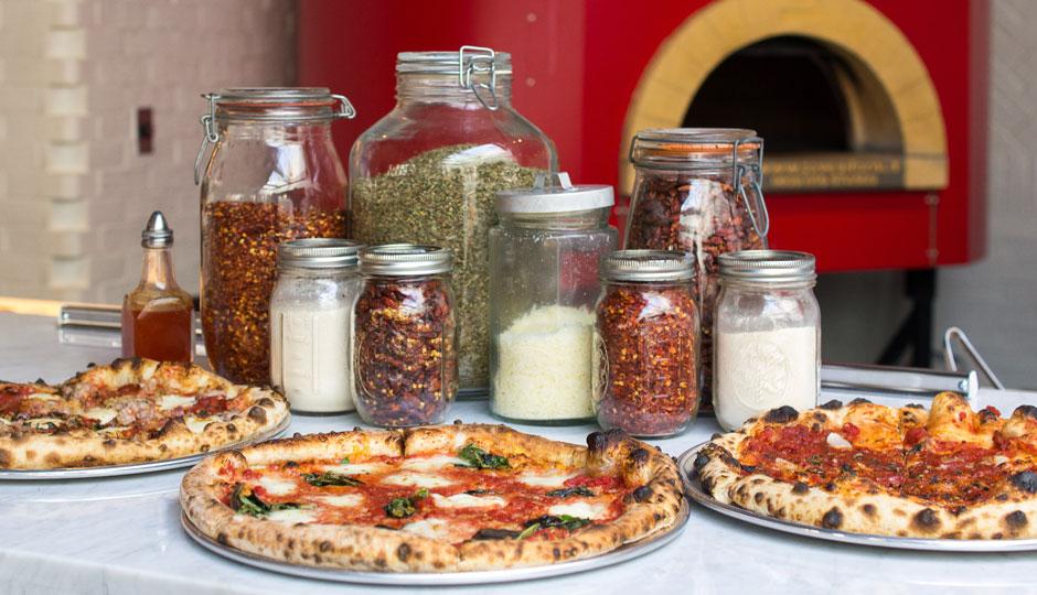 MO-pizza-parlor-danya-heninger-940