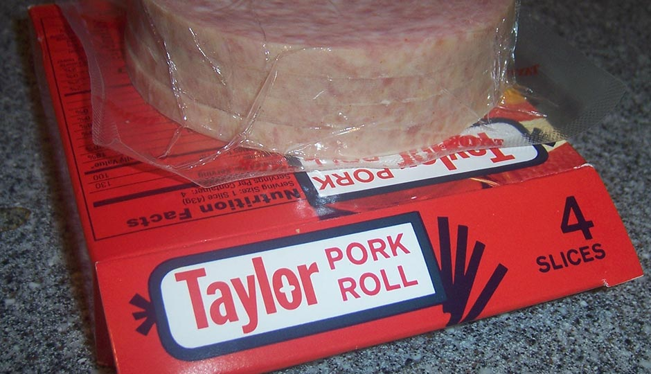 """""""Taylor pork roll slices on pkg"""" by Austin Murphy (talk) (Transfered byDiádoco/Original uploaded by Austinmurphy) - I created this work entirely by myself. (Original uploaded on en.wikipedia). Licensed under CC BY-SA 3.0 via Wikimedia Commons."""