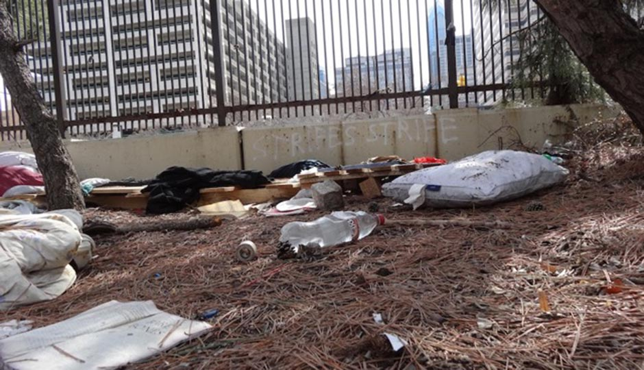 A homeless camp at 16th and Vine. Photo by Liz Spikol, 2014.