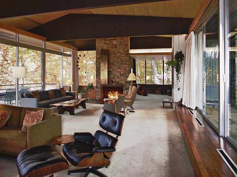 Inside the Pitcairn House