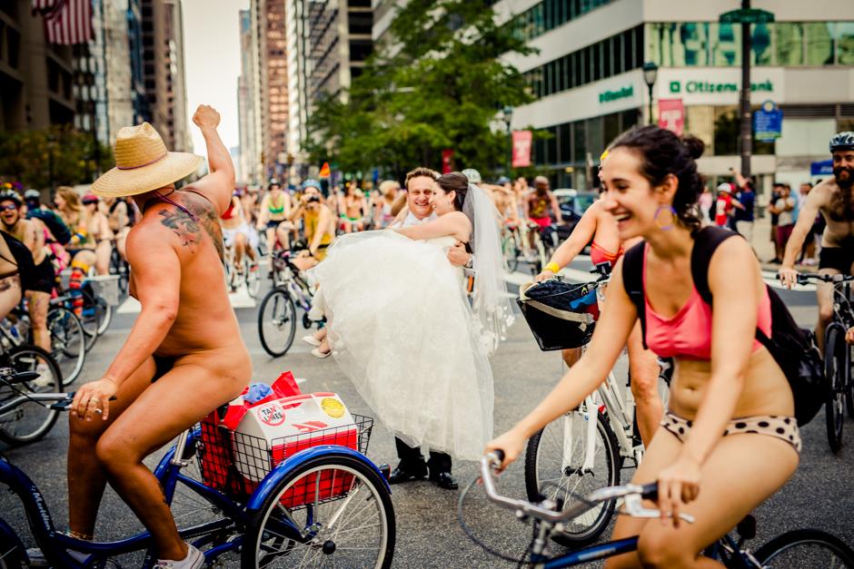 nacktes-fahrradpaar-nackter-heisser-sexy-penis