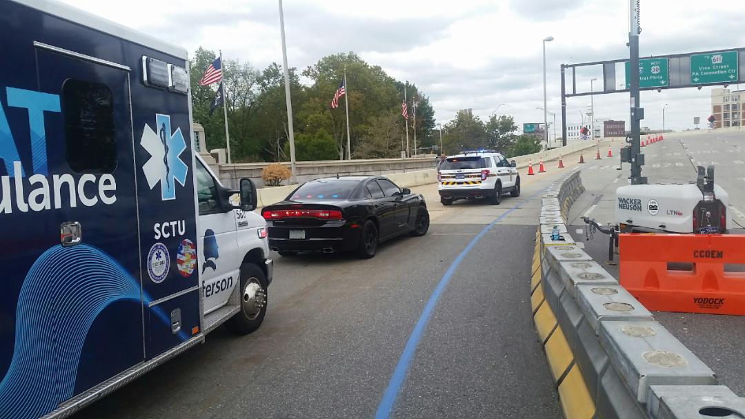 Ambulance gets police escort into Philadelphia to deliver a life-saving kidney to Jefferson University Hospital.