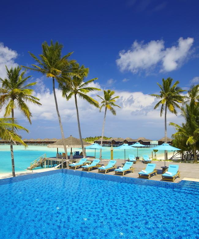 The pool at Anantara Veli Resort & Spa