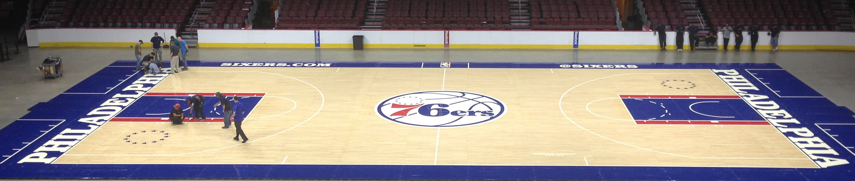 76ers-2015-16-court.jpg