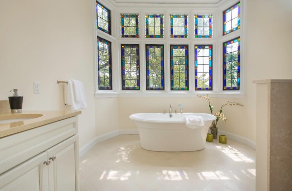 The heavenly bath | Images via Main Line reBUILD