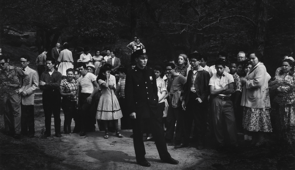 """""""Drowning Scene,"""" Central Park, New York City, 1957, by Dave Heath (The Nelson-Atkins Museum of Art, Kansas City, Missouri: Gift of the Hall Family Foundation"""