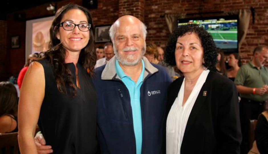 Jessie's sister and mother with the CEO of Gift of Life, Howard Nathan.